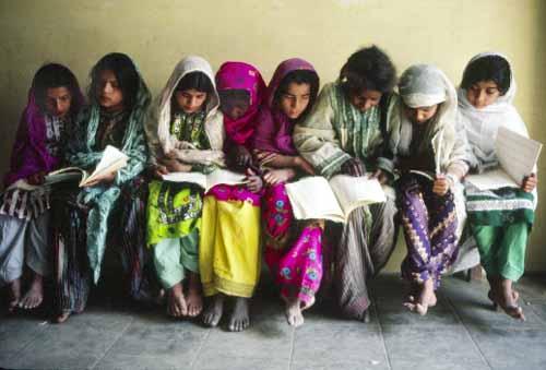 [image: Students in Karachi, Pakistan. (UN Photo #153528)]