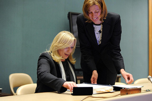 Iveta Radicova, Prime Minister of the Slovak Republic signs the Optional Protocol to the Convention on the Rights of the Child on a communications procedure during the 19th Human Rights Council Photo by Violaine Martin